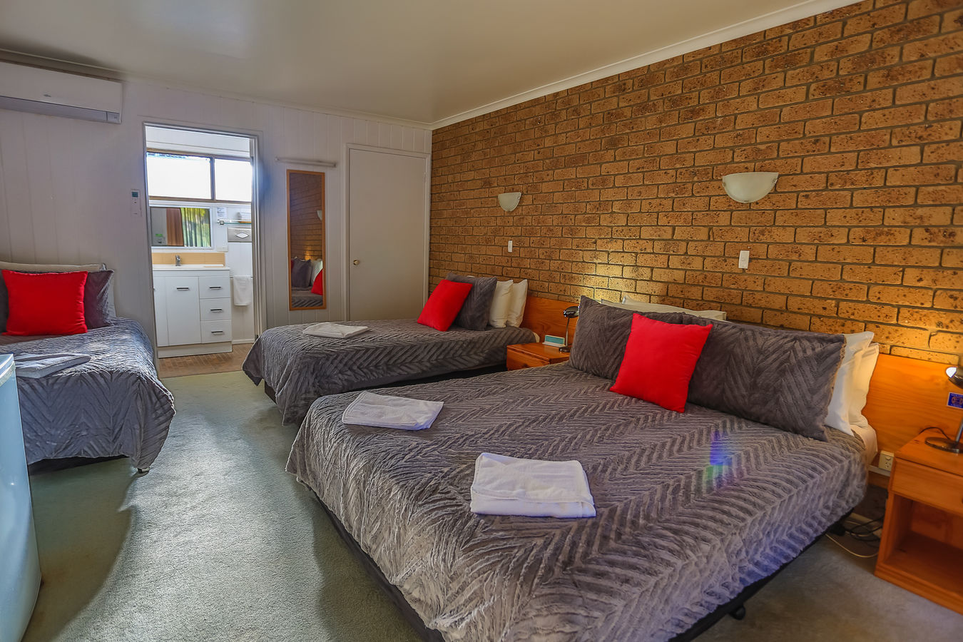 Family Room | Family Room | Family Room | Mountain View Lodges | Halls Gap | Grampians National Park