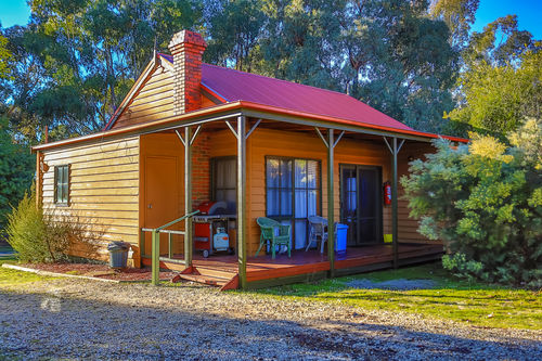 2 Bedroom Lodge with Spa   Self Contained | 2 Bedroom Lodge with Spa   Self Contained | 2 Bedroom Lodge with Spa | Self Contained | Mountain View Lodges | Halls Gap | Grampians National Park